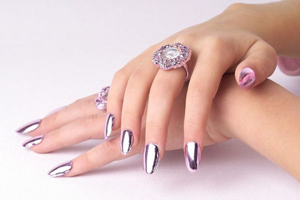 Nails styling