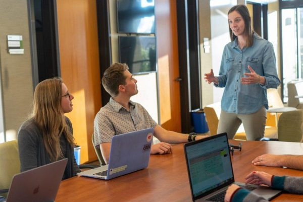 Creates A Culture That Enhances Employee Performance
